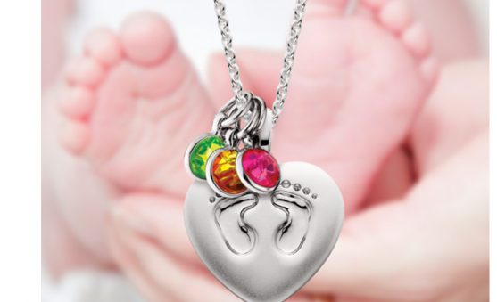 Mommy hic_footprints pendant